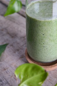 green-smoothie-peanut-butter-banana-2